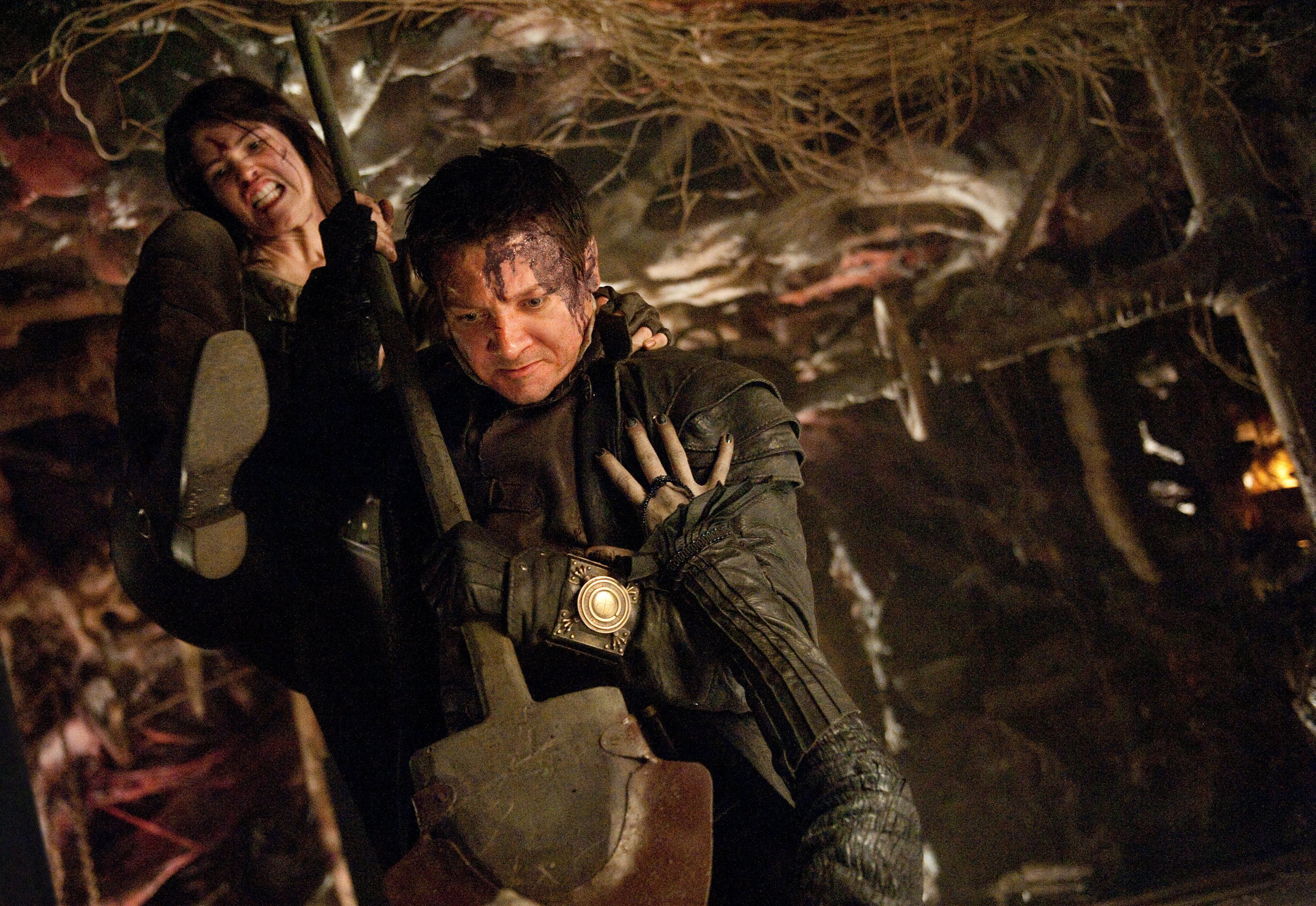 Photo du film Hansel & Gretel : Witch Hunters avec Gemma Arterton et Jeremy Renner