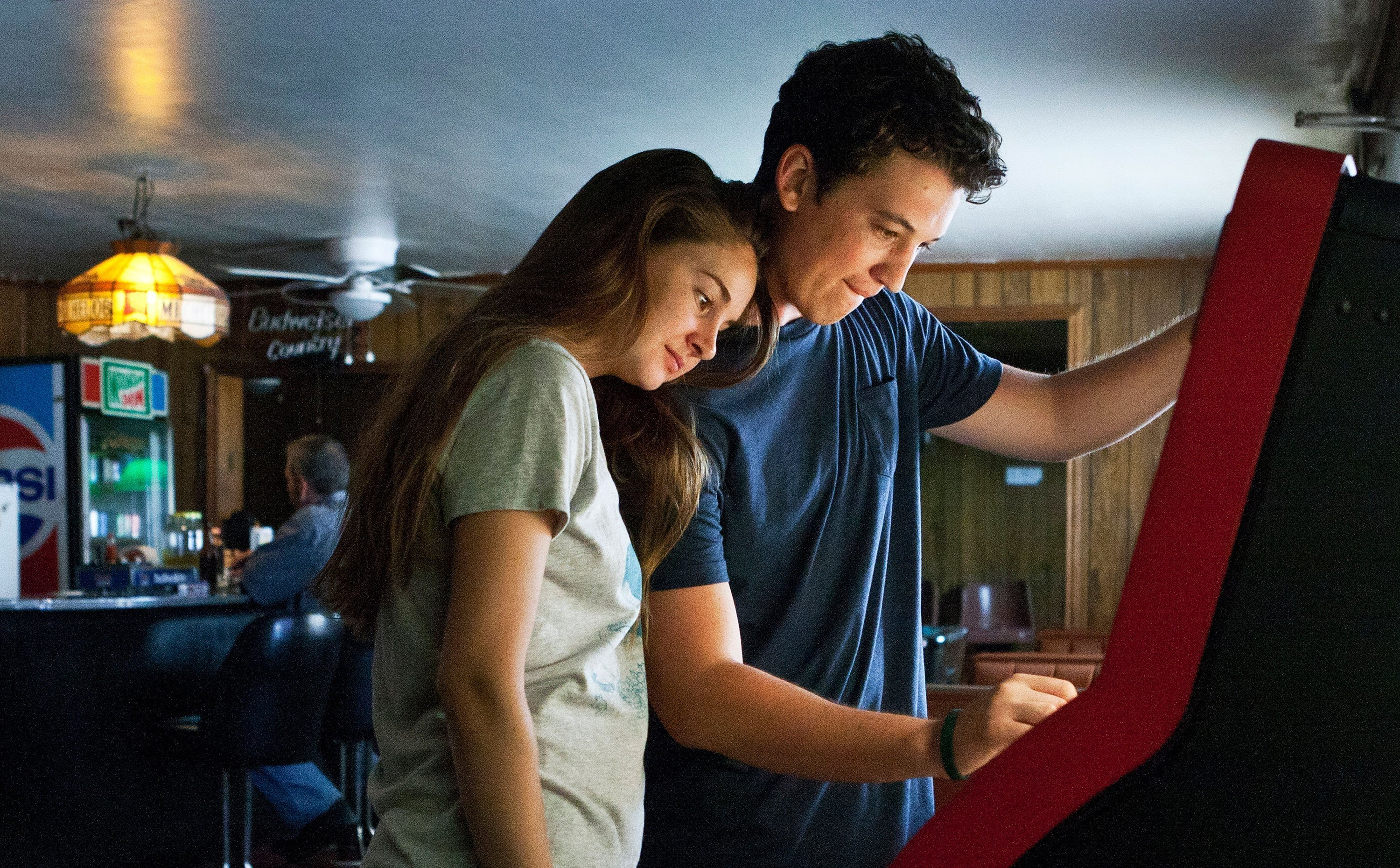 Photo de The Spectacular Now avec Shailene Woodley et Miles Teller