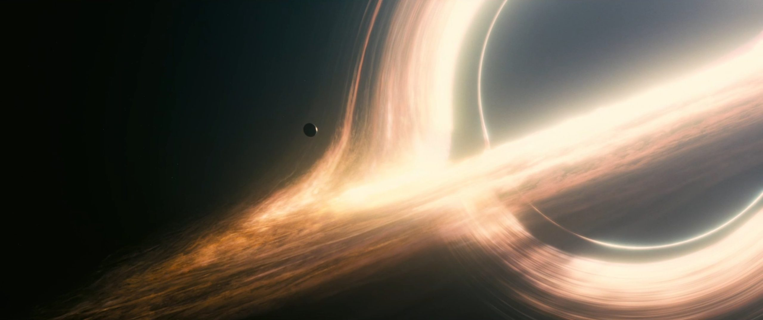 Photo de planètes dans le film Interstellar réalisé par Christopher Nolan