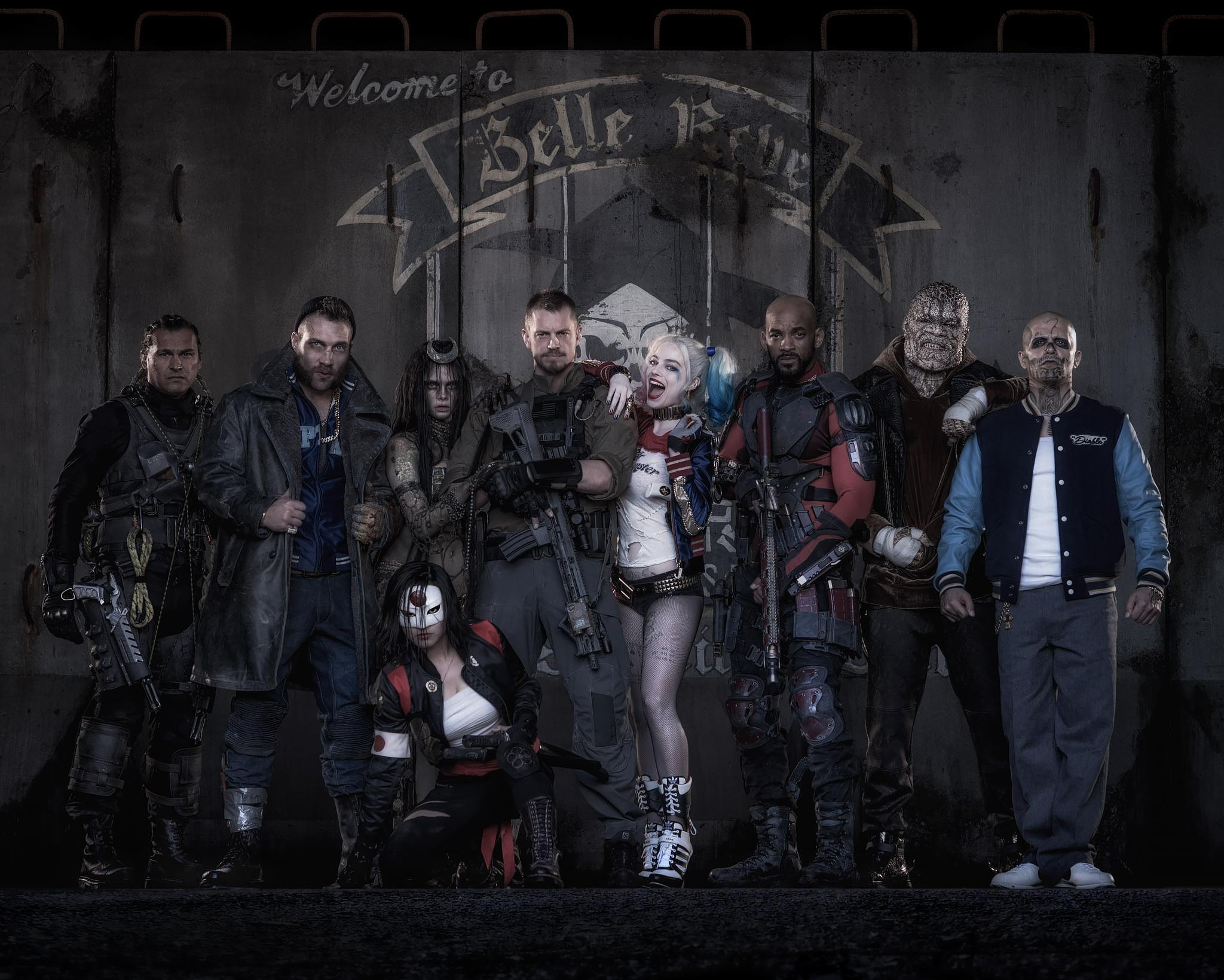 Photo du casting costumé de Suicide Squad réalisé par David Ayer avec Will Smith, Tom Hardy, Margot Robbie, Jared Leto, Jai Courtney et Cara Delevingne