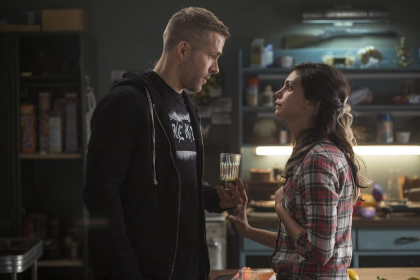Photo du film Deadpool avec Ryan Reynolds et Morena Baccarin