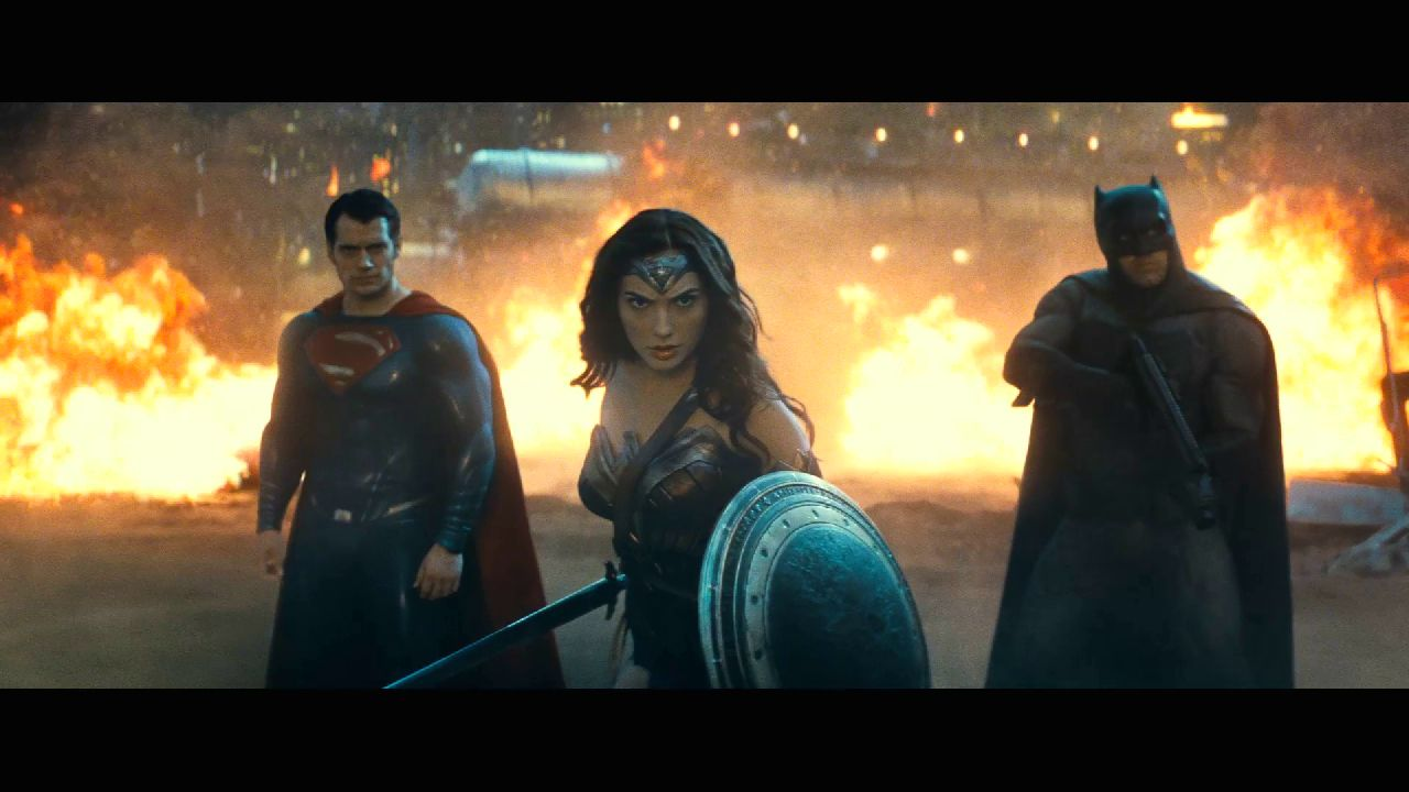 Photo du film Batman v Superman: L'Aube de la Justice avec la Trinité