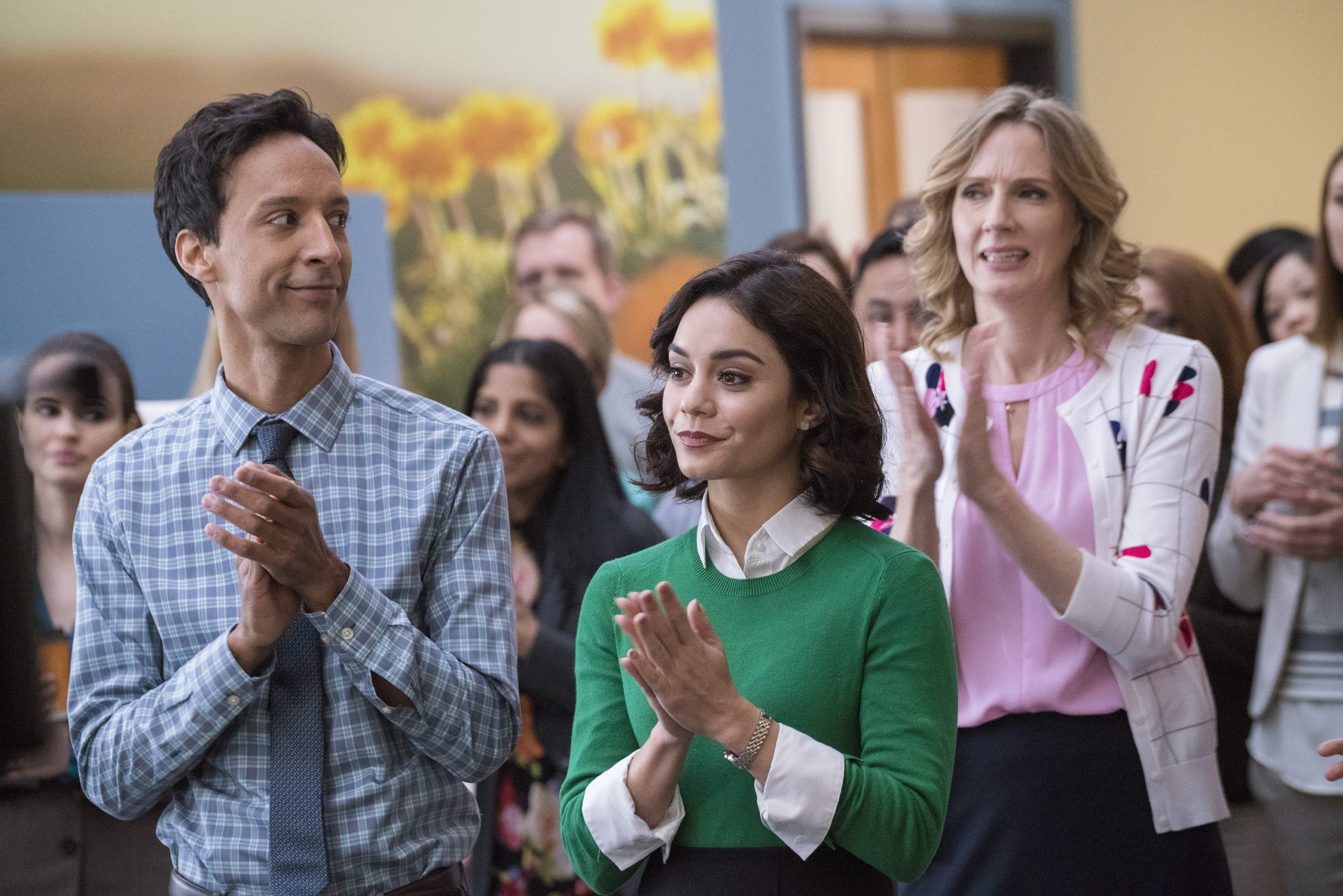 Photo de Powerless avec Vanessa Hudgens, Danny Pudi et Christina Kirk