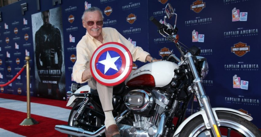 Photo de Stan Lee en Captain America