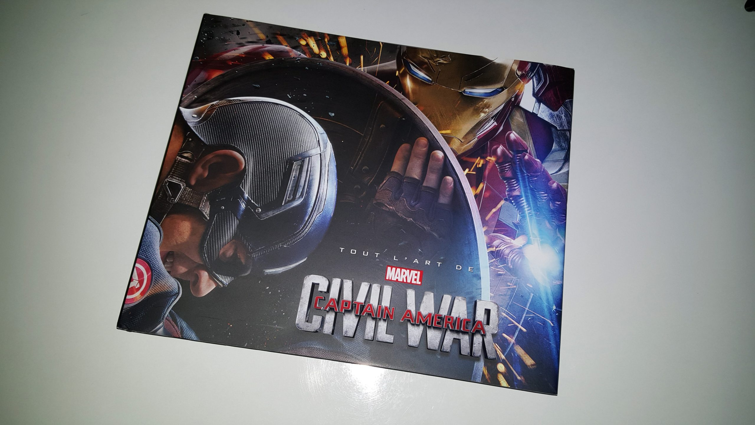 Photo de la couverture de Tout l'art de Captain America: Civil War