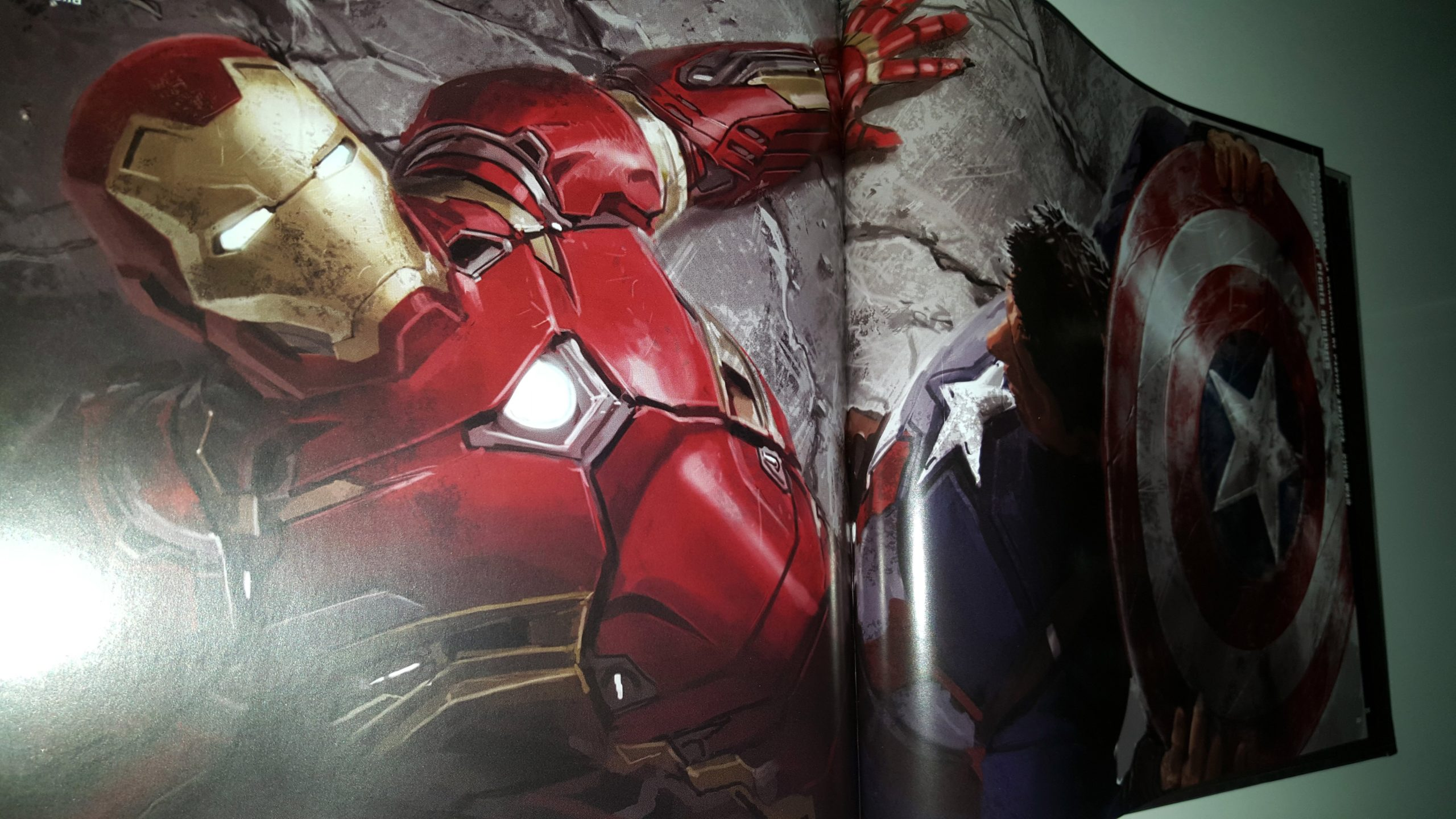 Photo de Tout l'art de Captain America: Civil War avec Iron Man contre Captain America