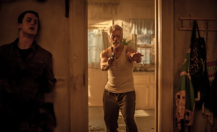 Photo de Don't Breathe: La Maison des ténèbres avec Dylan Minnette et Stephen Lang