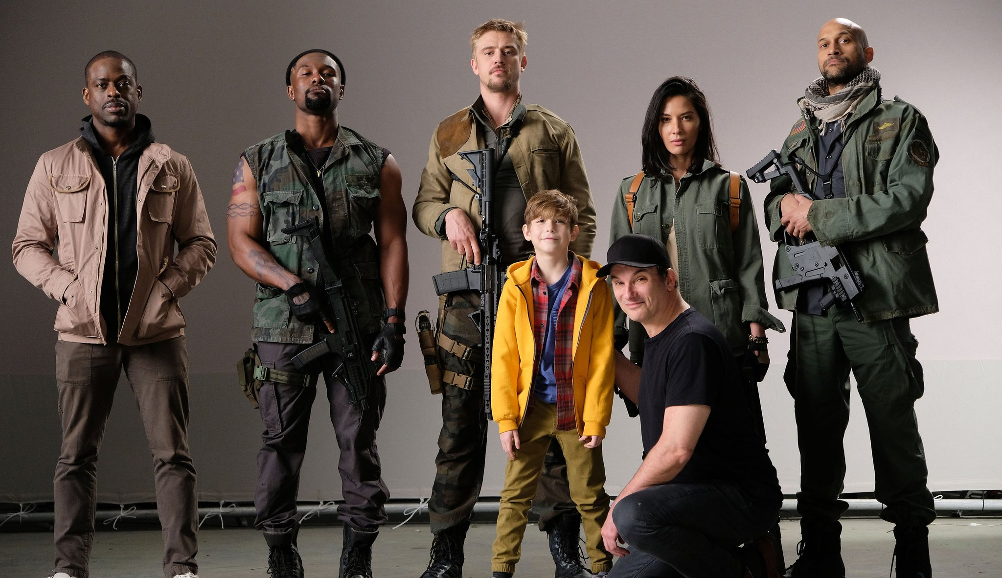 Photo du tournage de The Predator avec le casting au complet