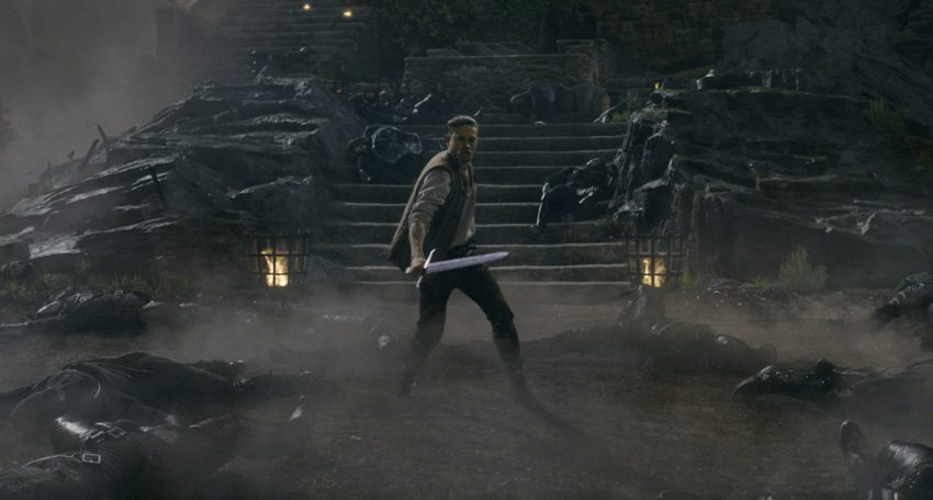 Photo du film Le Roi Arthur: La Légende d'Excalibur avec Charlie Hunnam