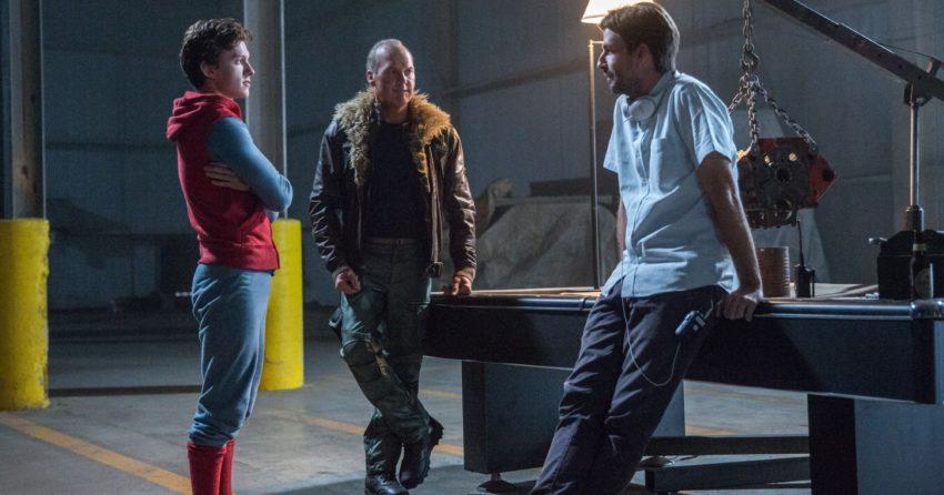 Photo du tournage de Spider-Man: Homecoming avec Tom Holland, Michael Keaton et le réalisateur, Jon Watts