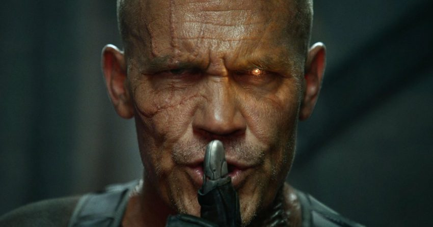 Photo officielle de Cable (Josh Brolin) faisant chut pour le film Deadpool 2