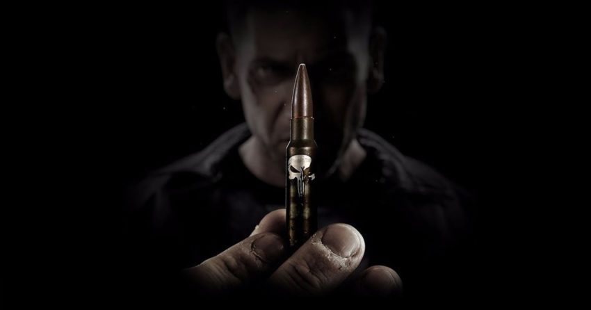 Photo de la saison 1 de The Punisher avec une balle dotée du logo