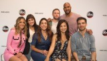 Photo du casting pour la saison 6 de la série Agents of Shield