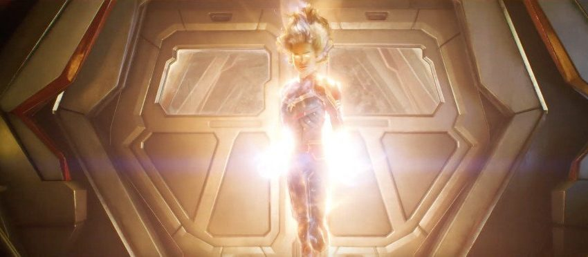 Photo du film Captain Marvel avec Carol Danvers (Brie Larson) en mode Super Saiyan