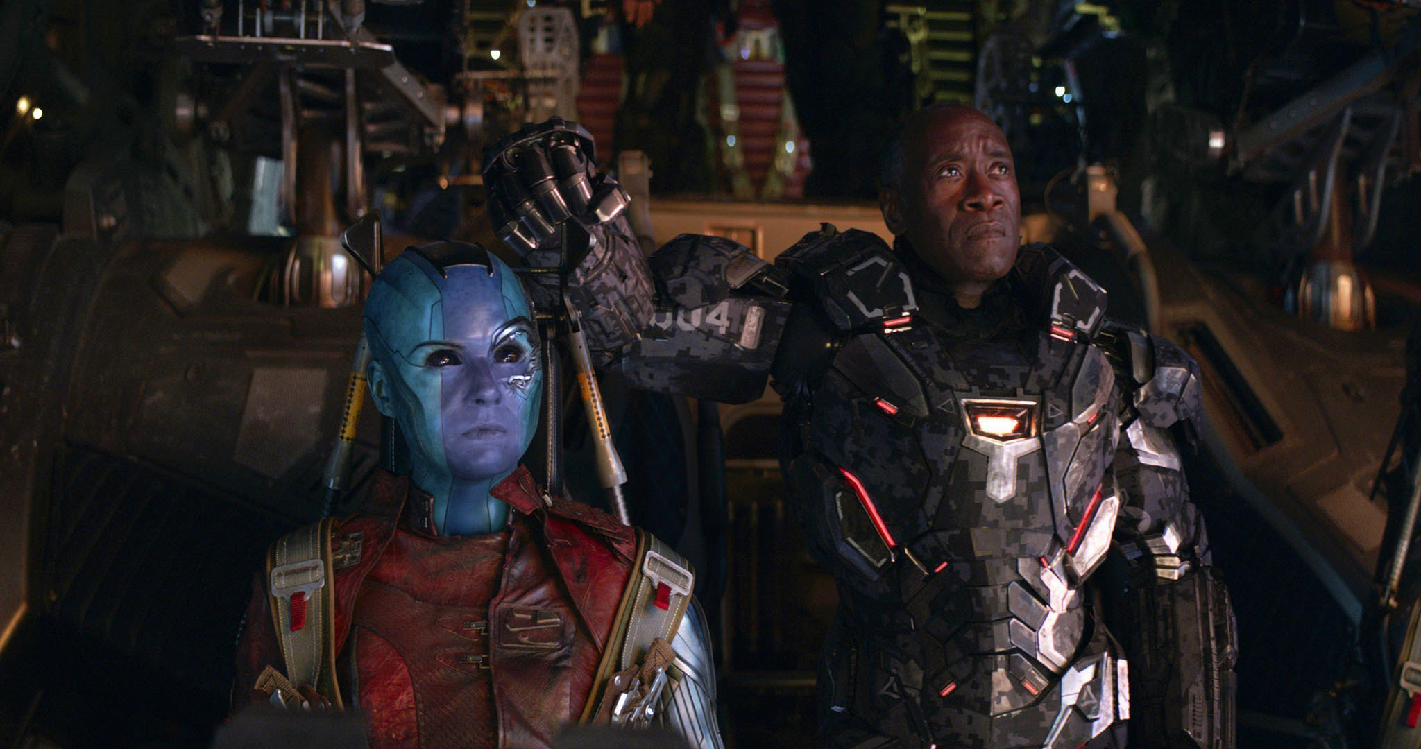 Photo du film Avengers: Endgame avec Nebula et War Machine