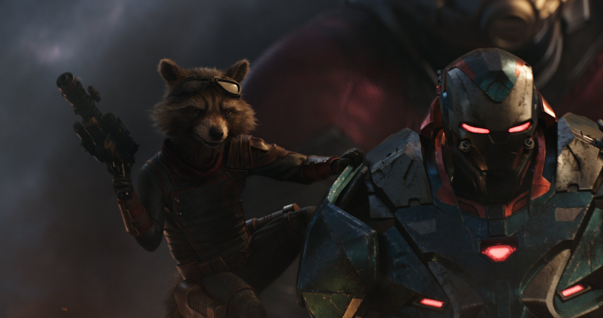 Photo du film Avengers: Endgame avec Rocket et War Machine
