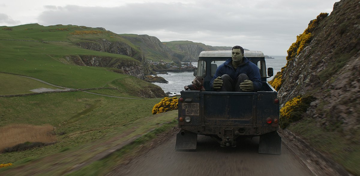 Photo du film Avengers: Endgame avec Rocket et Hulk en route vers New Asgard (Plan final)