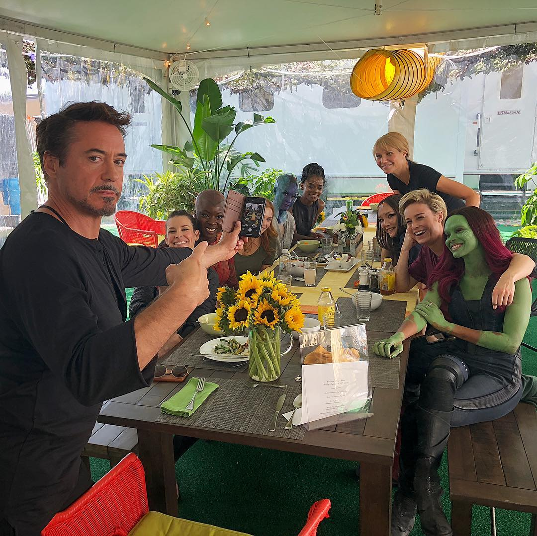 Photo du tournage du film Avengers: Endgame avec Robert Downey Jr et l'A-Force
