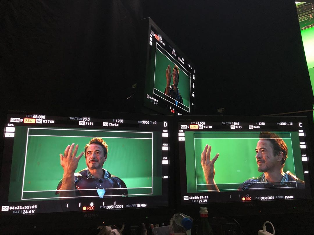 Troisième photo du tournage du film Avengers: Endgame avec le snap de Robert Downey Jr. (Tony Stark / Iron Man)
