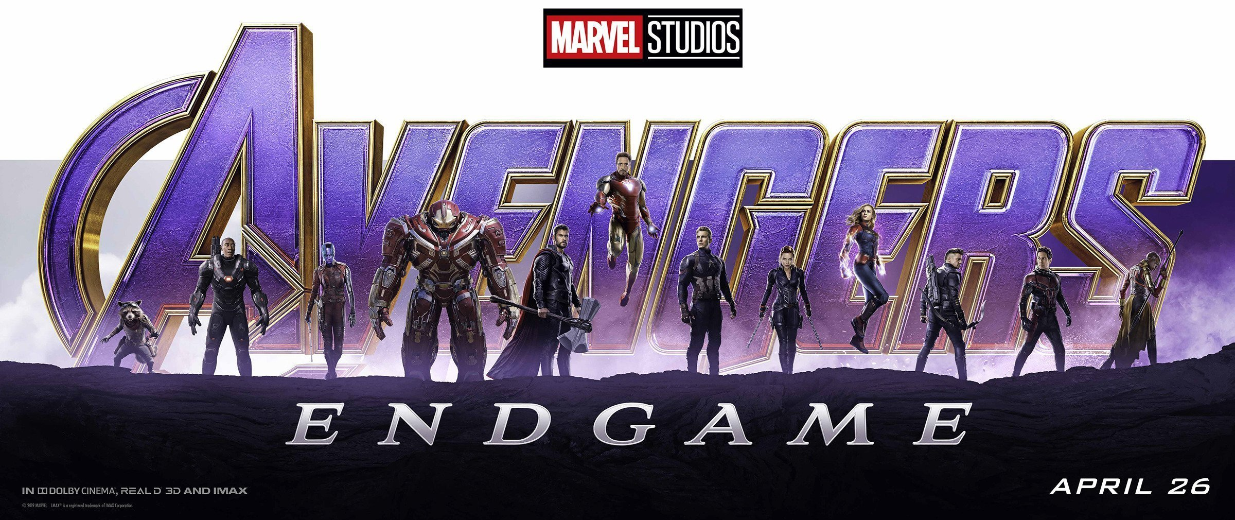 Bannière du film Avengers: Endgame réalisé par Anthony et Joe Russo, d'après un scénario de Christopher Markus et Stephen McFeely, avec, de gauche à droite, Rocket, War Machine, Nebula, Bruce Banner, Thor, Iron Man, Captain America, Black Widow, Captain Marvel, Hawkeye, Ant-Man et Okoye