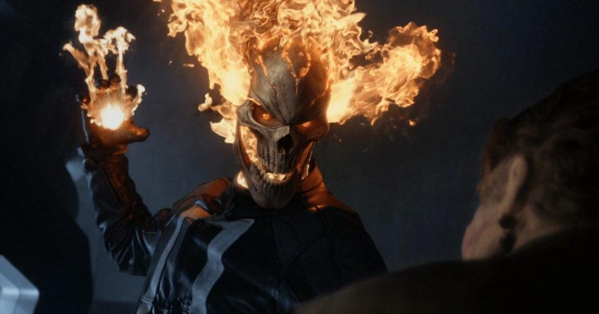 Photo de l'attaque du Ghost Rider (Robbie Reyes) dans la saison 4 d'Agents of SHIELD