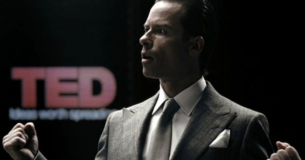 Photo de la promotion du film Prometheus avec le TED Talk de Guy Pearce